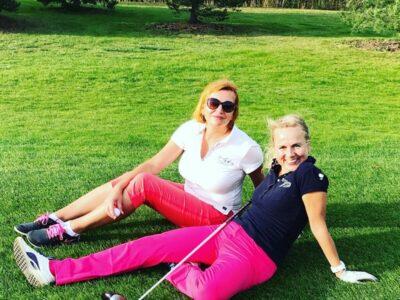 michaelacintlova Minulou sobotu to ještě šlo ⛳️🏌🏽♀ v @golfhostivar 😎. #golf #golfday #golfhostivar #primachvile #vikend #sunnyday #golfing #relax #hostivar